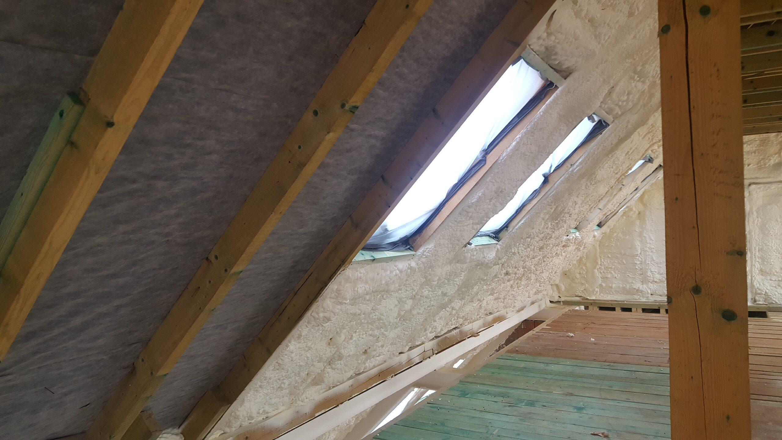 A tető szigetelés nagyon fontos része a hőszigetelésnek